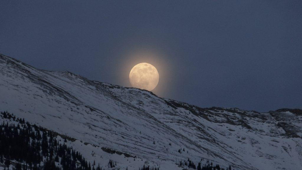 雪原のお月さま