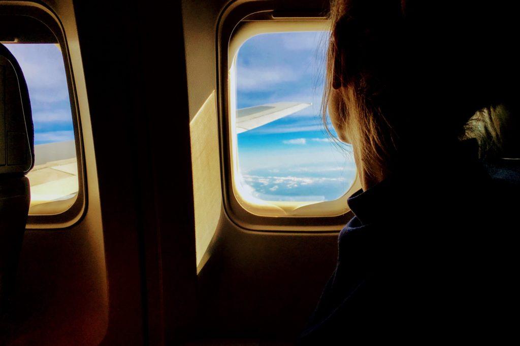 飛行機の中からみる景色