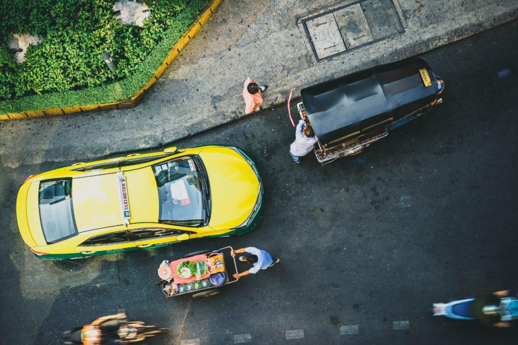 頭上からみるタクシー