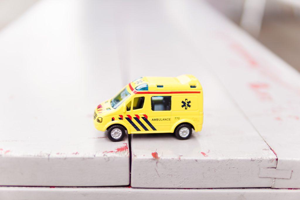 救急車の模型