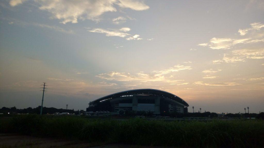夕方の埼スタ