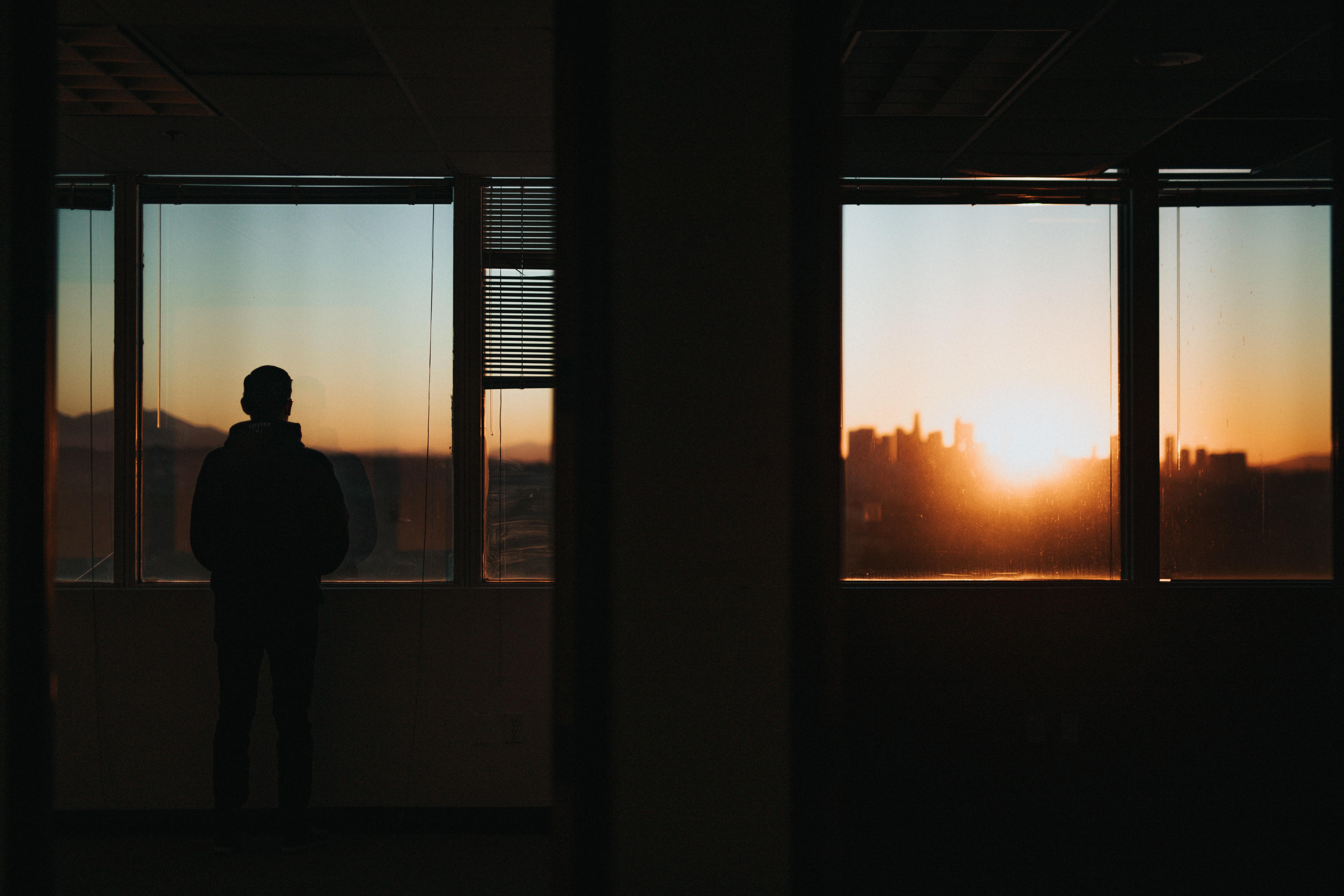 夕方のオフィス