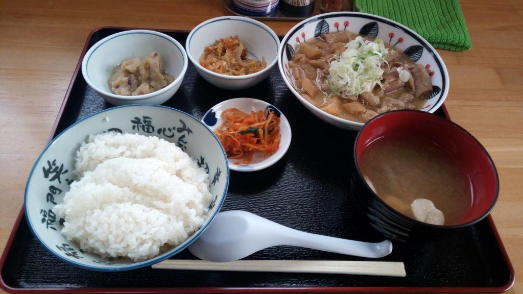 五郎まるのモツ煮定食