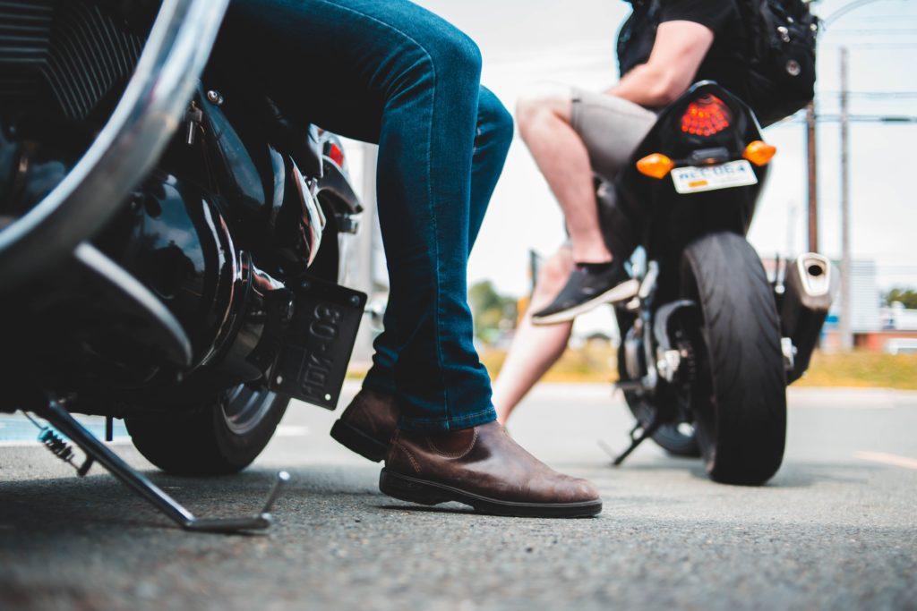 バイクで待ち伏せ
