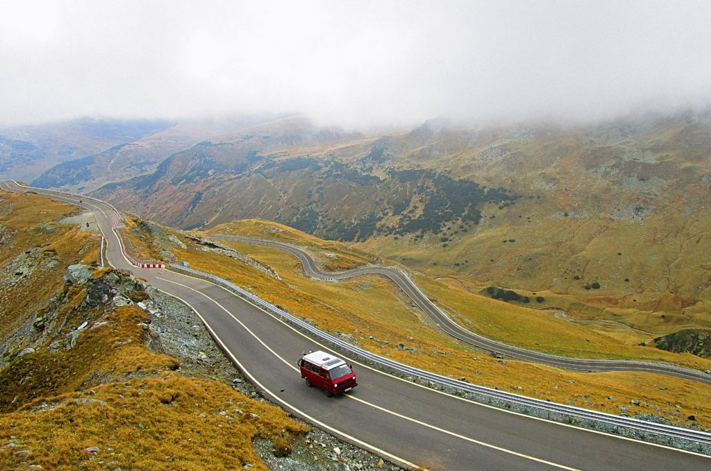山の中のドライブ