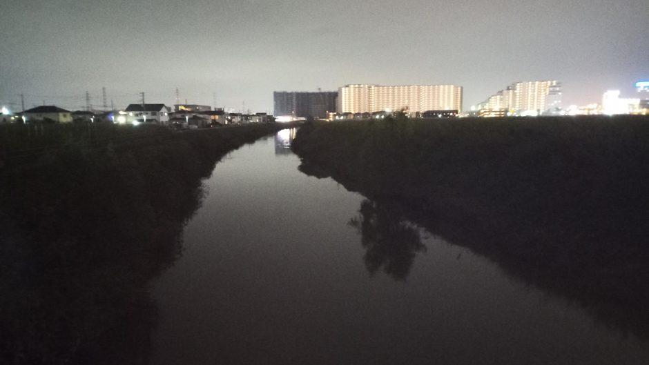 埼スタ近くの河川